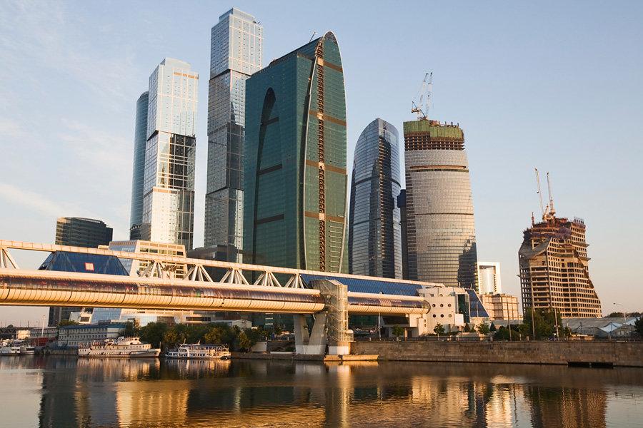 Москва известна своими достопримечательностями и незабываемыми местами, и Московский  международный деловой центр Москва-Сити 7e75a3731ba