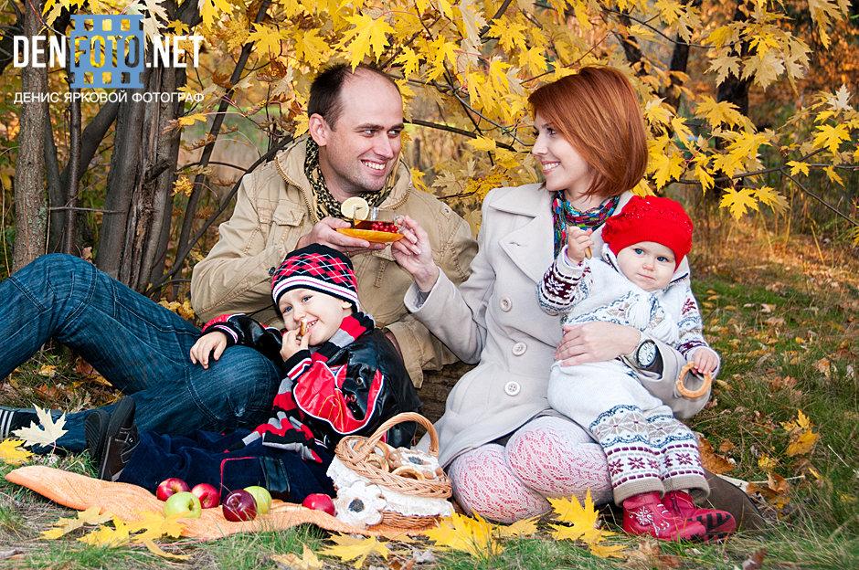 Осень семейная фотосессия фото