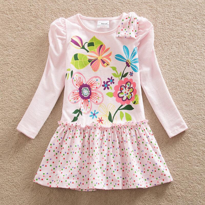 аккуратное платье для девочки