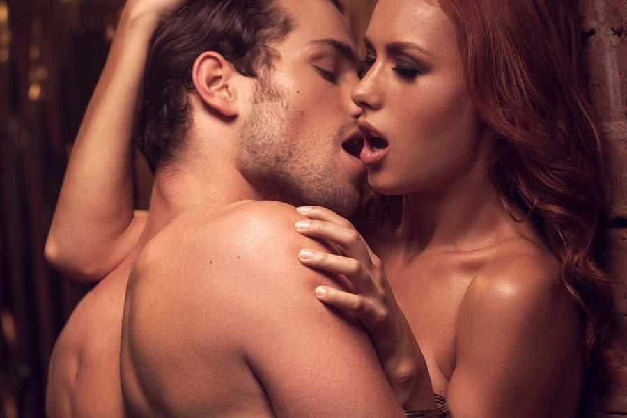 кружевных мужчина и женщина сексуальные видео подходите краю