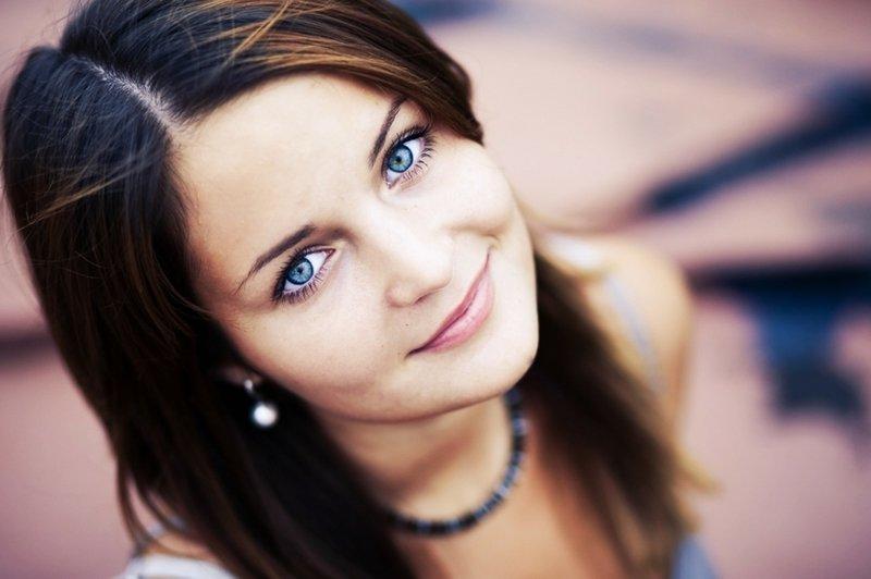 магазинов брюнетки с голубыми глазами Омске, несмотря
