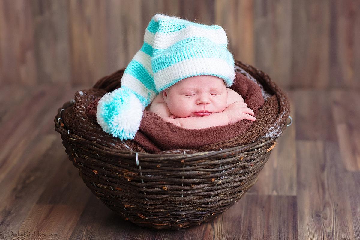 младенцы в шапочках картинки дизайнер-художник вместе