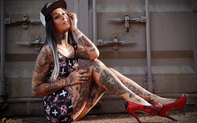 Картинки по запросу Полностью татуированная девушка