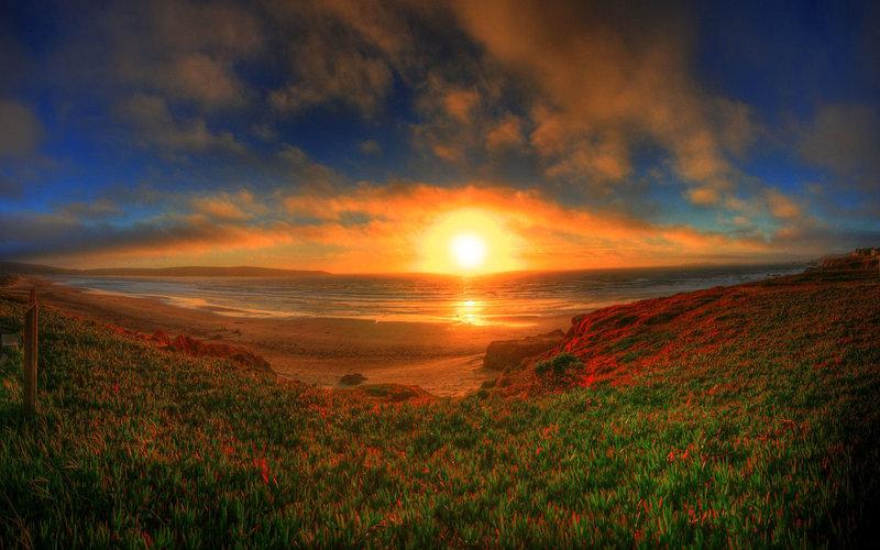 Красивый закат панорама