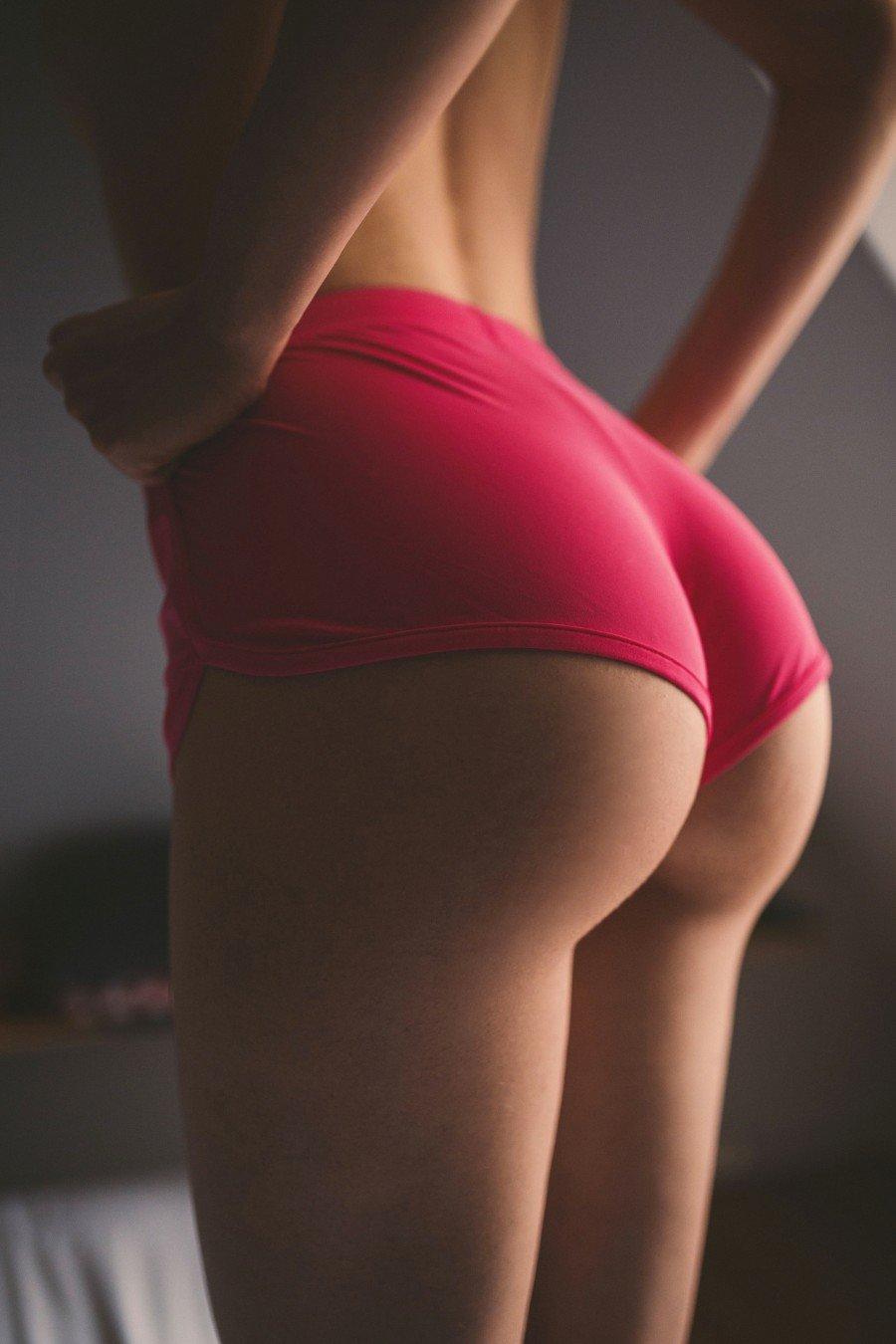 ире фото женских поп вконтакте красивые загорелые ноги