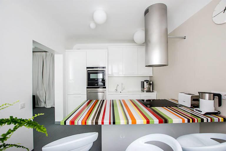 Как сочетать цвета на кухне, чтобы она смотрелась оригинально и современно