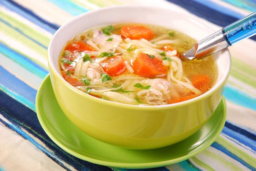Я тоже люблю куриный суп с домашней лапшой.