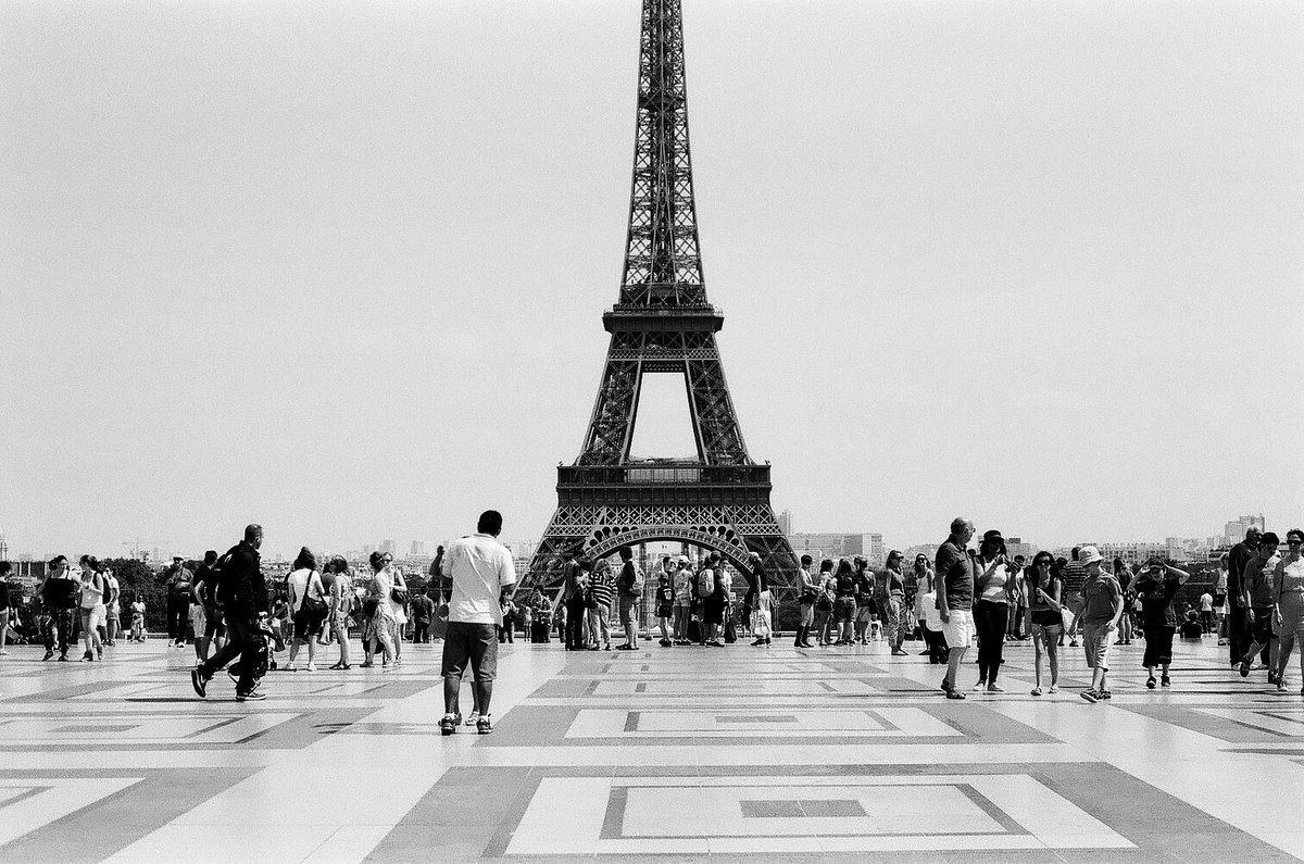 набор черно белый плакат эйфелева башня фото все-таки