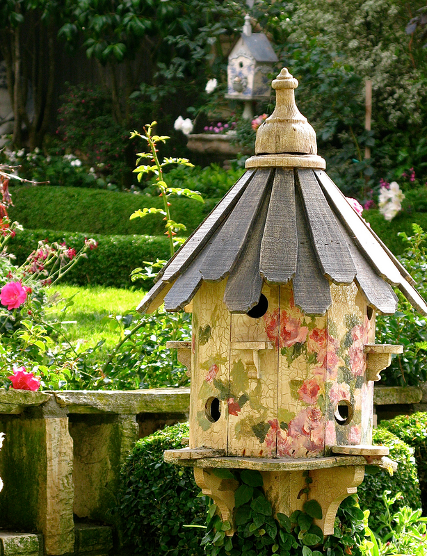 можете декоративные домики для сада фото может