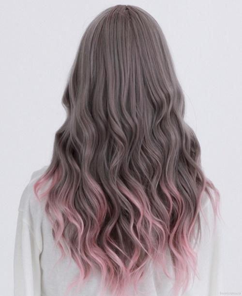 Тёмно-розовые волосы
