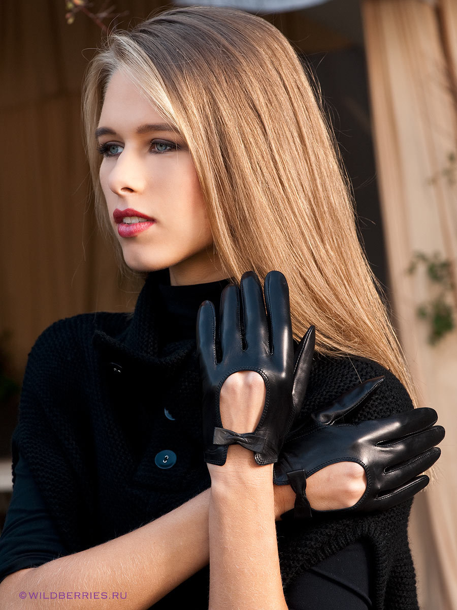 Фото красотки перчатках в кожаных