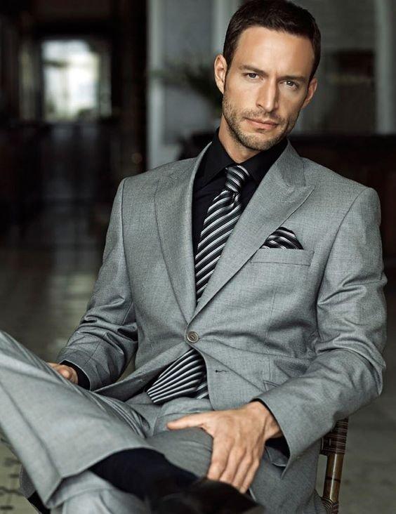 рубашка под серый костюм фото