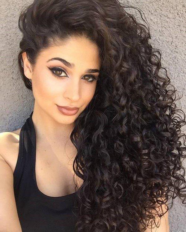 Длинные вьющиеся волосы