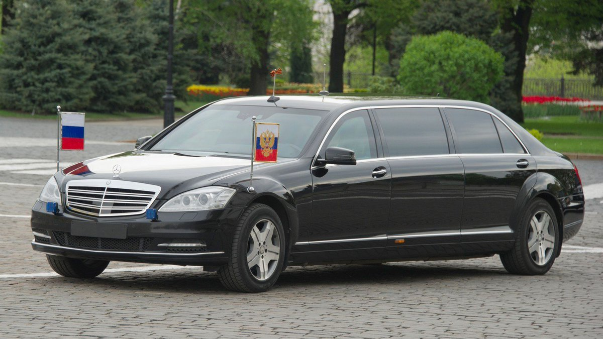 Какая машина у Путина фото