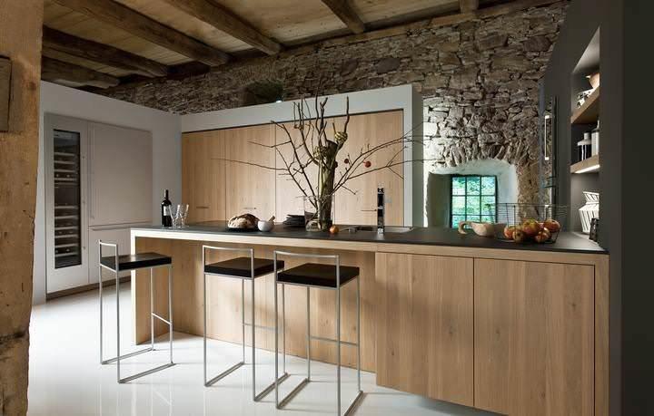 Барные стулья для кухни – довольно редкая мебель, так как подразумевают наличие барной стойки