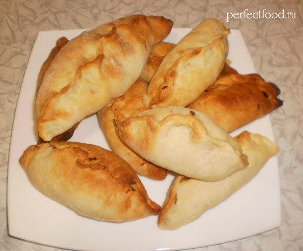 дрожжевые пирожки с картошкой в духовке рецепт с фото