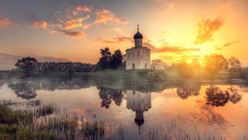 Храм на рассвете