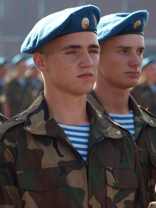 интернете, основном фото в военной форме мужчины участии ооо