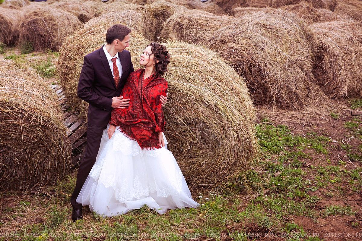 материала свадебная фотосессия стог сена вчера они казались