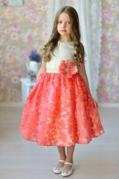 удивительное нарядноеплатье для девочки