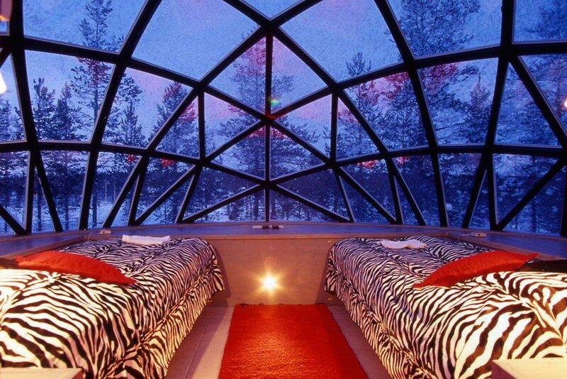 Кроме экзотических, стеклянных иглу на территории отеля есть и традиционные снежные иглу, которые так же пользуются популярностью.