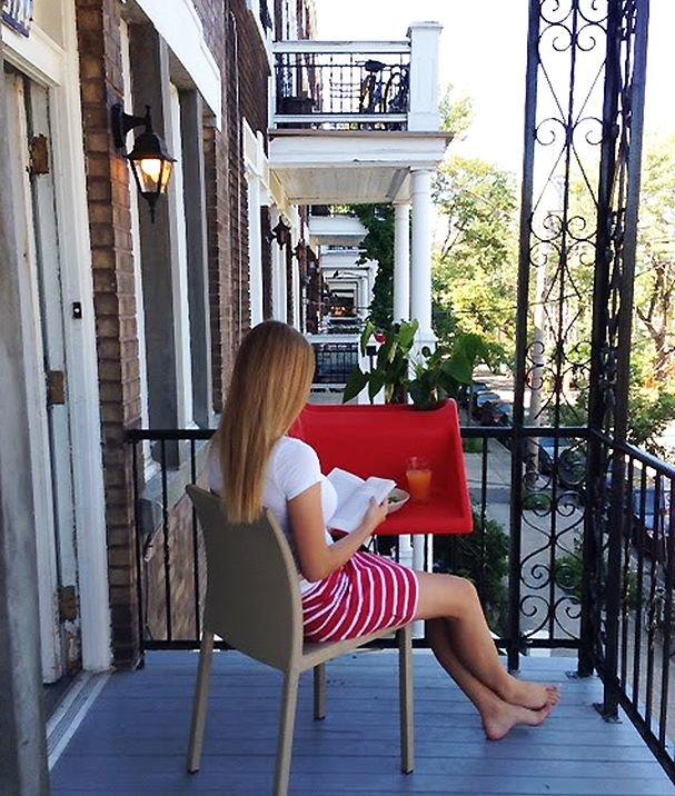 Сняла подругу на балконе, девушки вид сзади фото ххх
