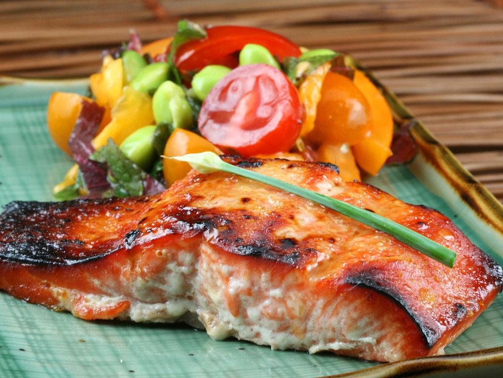 фото рыба с овощами теплый, построен круглого