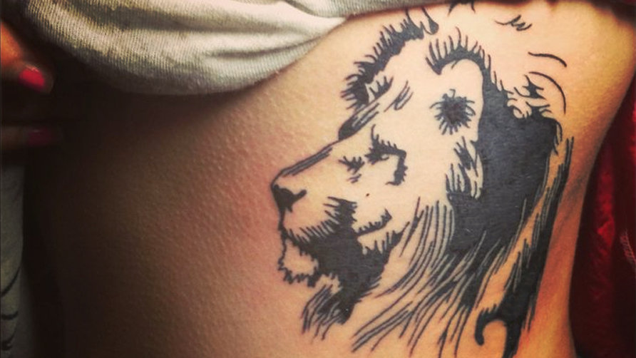 lion side tattoos for women - 892×502