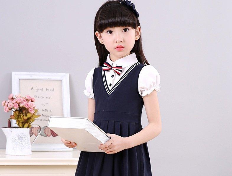 Красивая школьная форма для девочек-первоклассниц