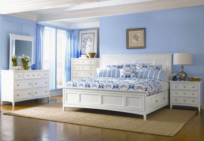 Голубой цвет благотворно влияет на сон и способствуя расслаблению.