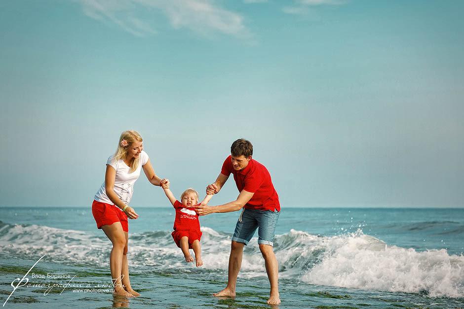 Фотосессия на море семья