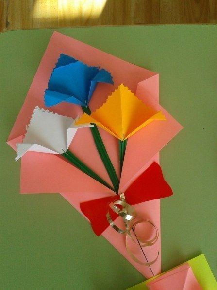 Открытка ко дню матери оригами два лепестка, рисунки