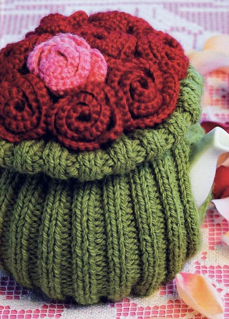 «Вязаная спицами и крючком грелка на чайник Букет роз ...