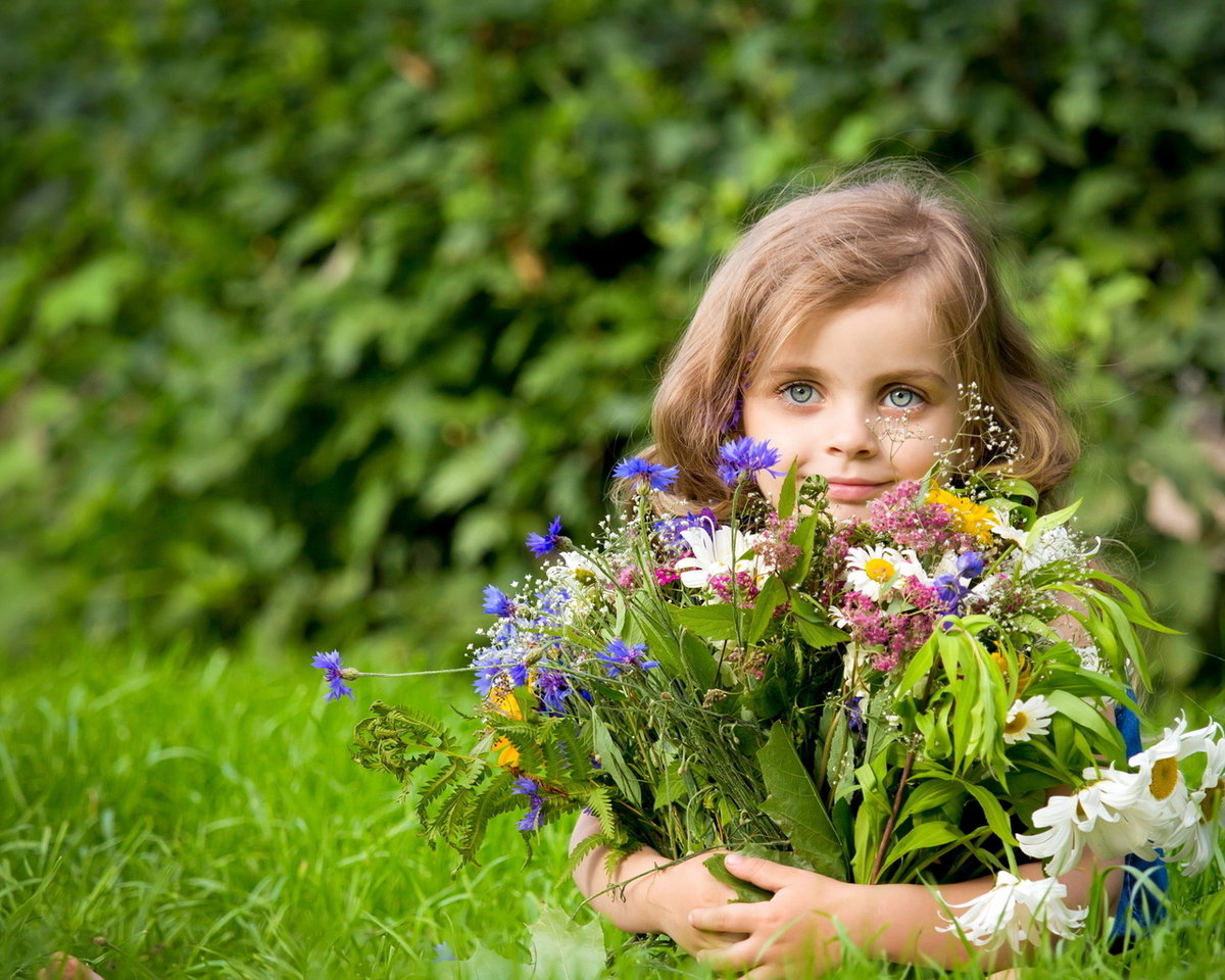 Цитаты, картинки девочка с цветами