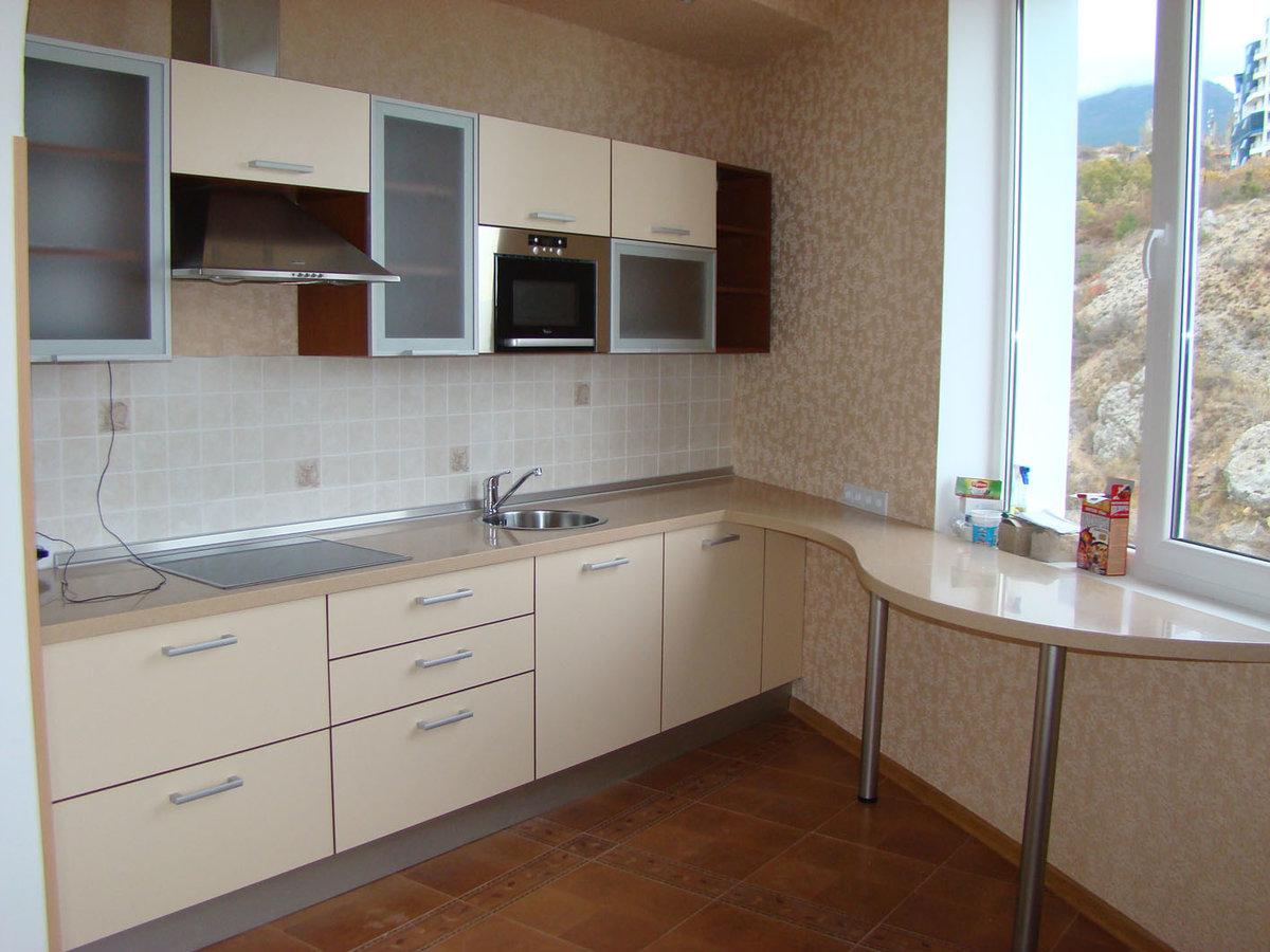 Модерн в дизайне кухни. Это нечто среднее между классикой и хай-теком.