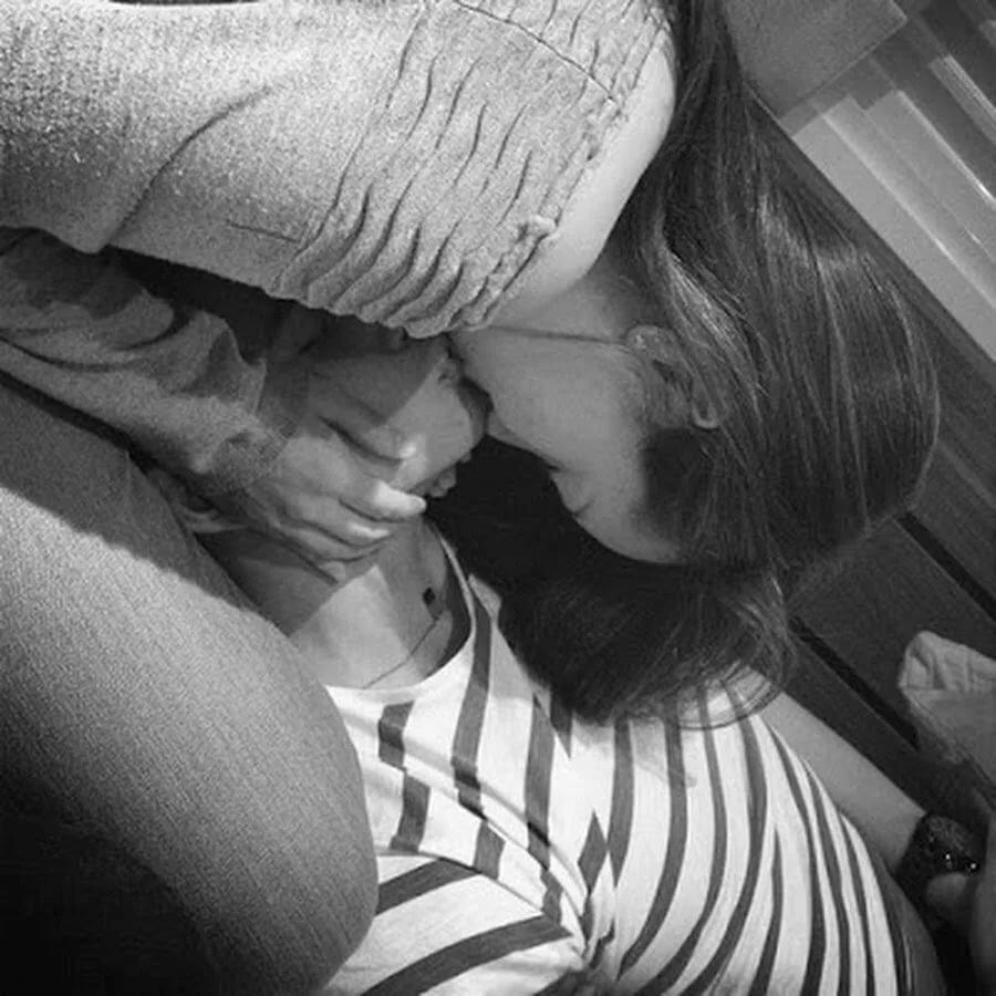 картинки целующейся пары без лица привычке изображения заднего
