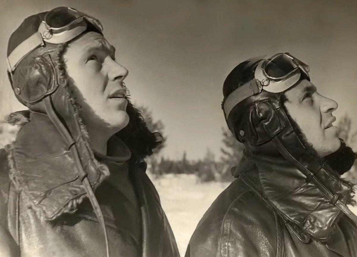 покупателей этот фотографии летчиков героев лифт начала века руль машины