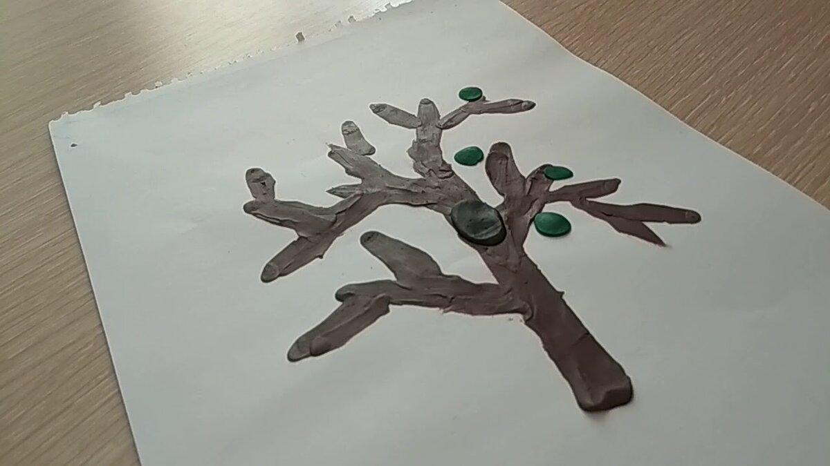 поделка из пластилина на бумаге дерево