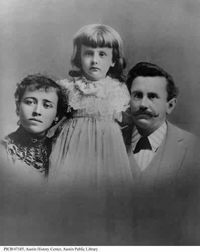Уильям Портер с семьёй (супруга Атоль и дочь Маргарет) в начале 1890-х