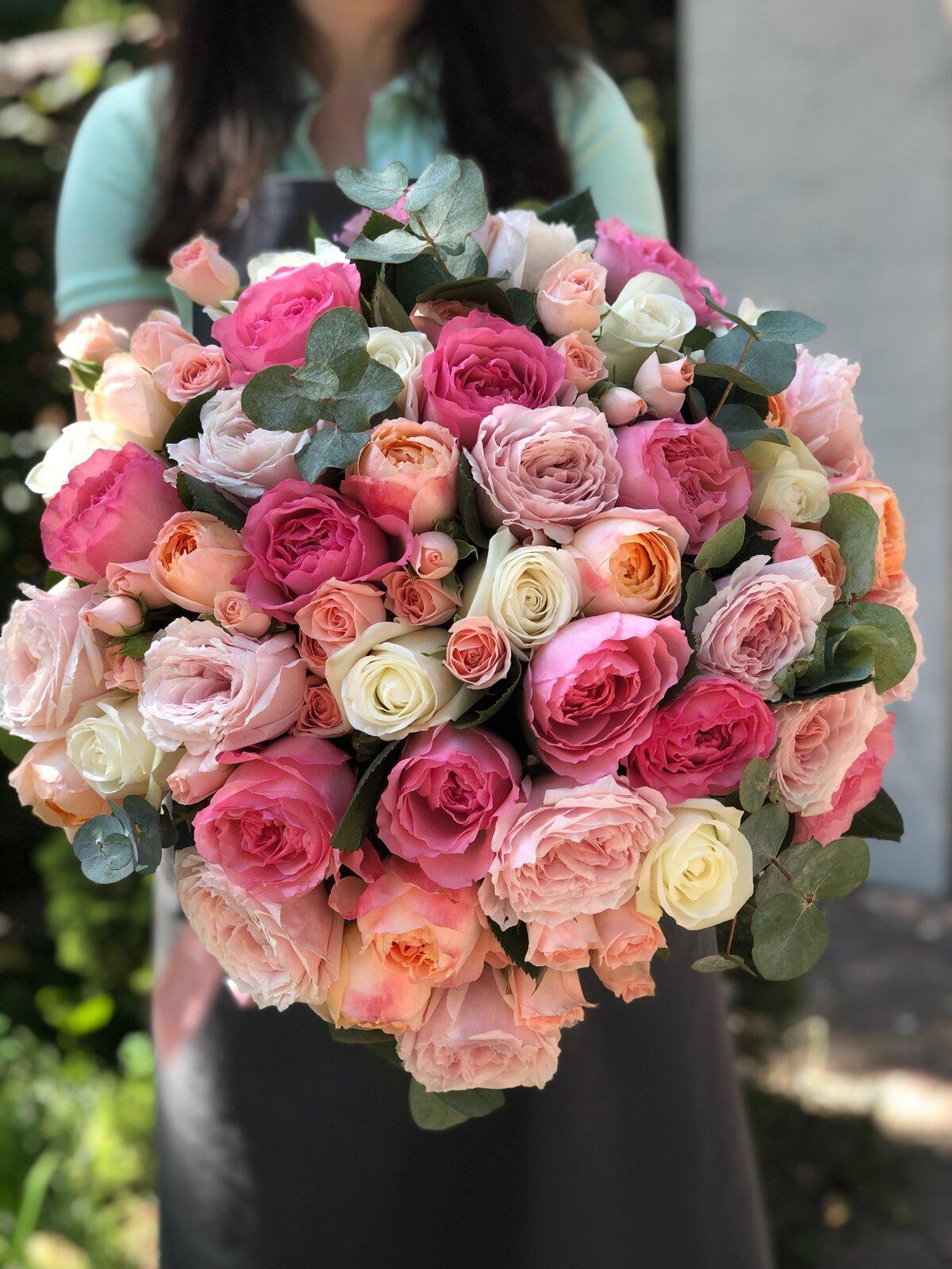 Букеты пионовидных роз