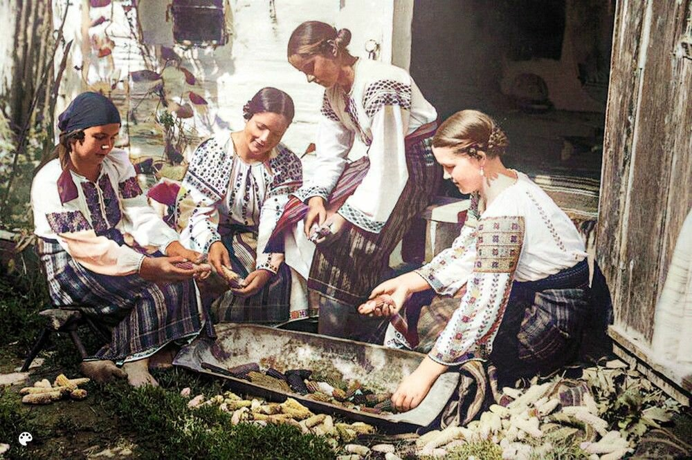 планируют фото царской россии в цвете вот, наконец, перед