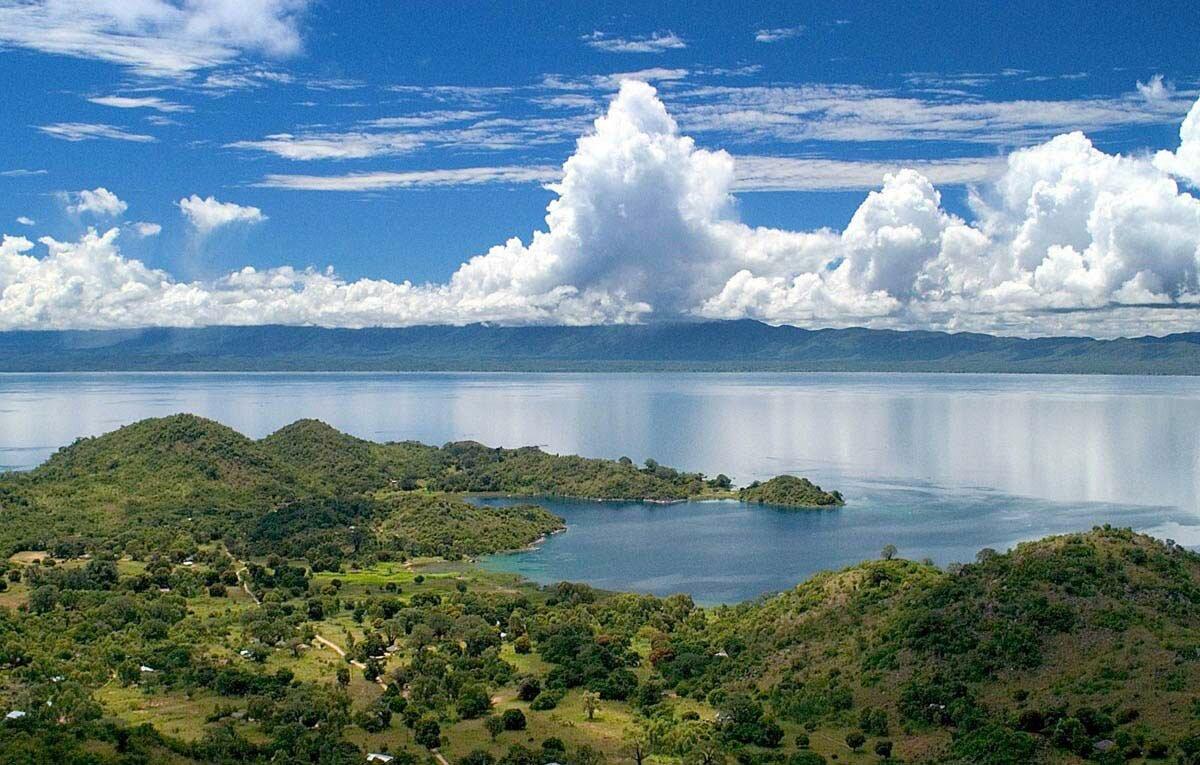 16 сентября 1859 года Давид Ливингстон открыл озеро Ньяса в Африке
