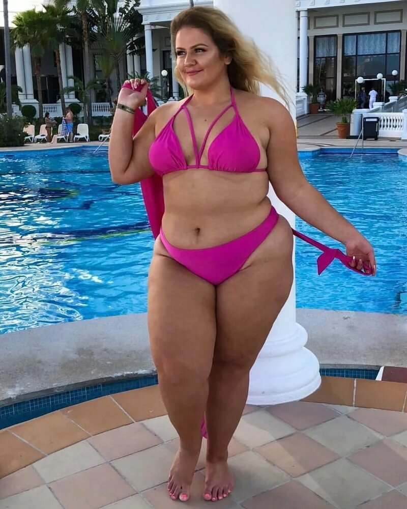 многие свежее фото толстых дам украсьте торт фруктами