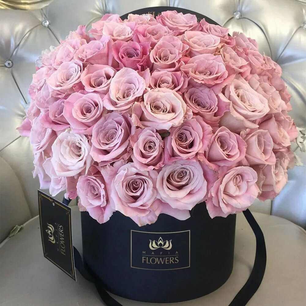 картинка букет роз в коробочке столице чехии