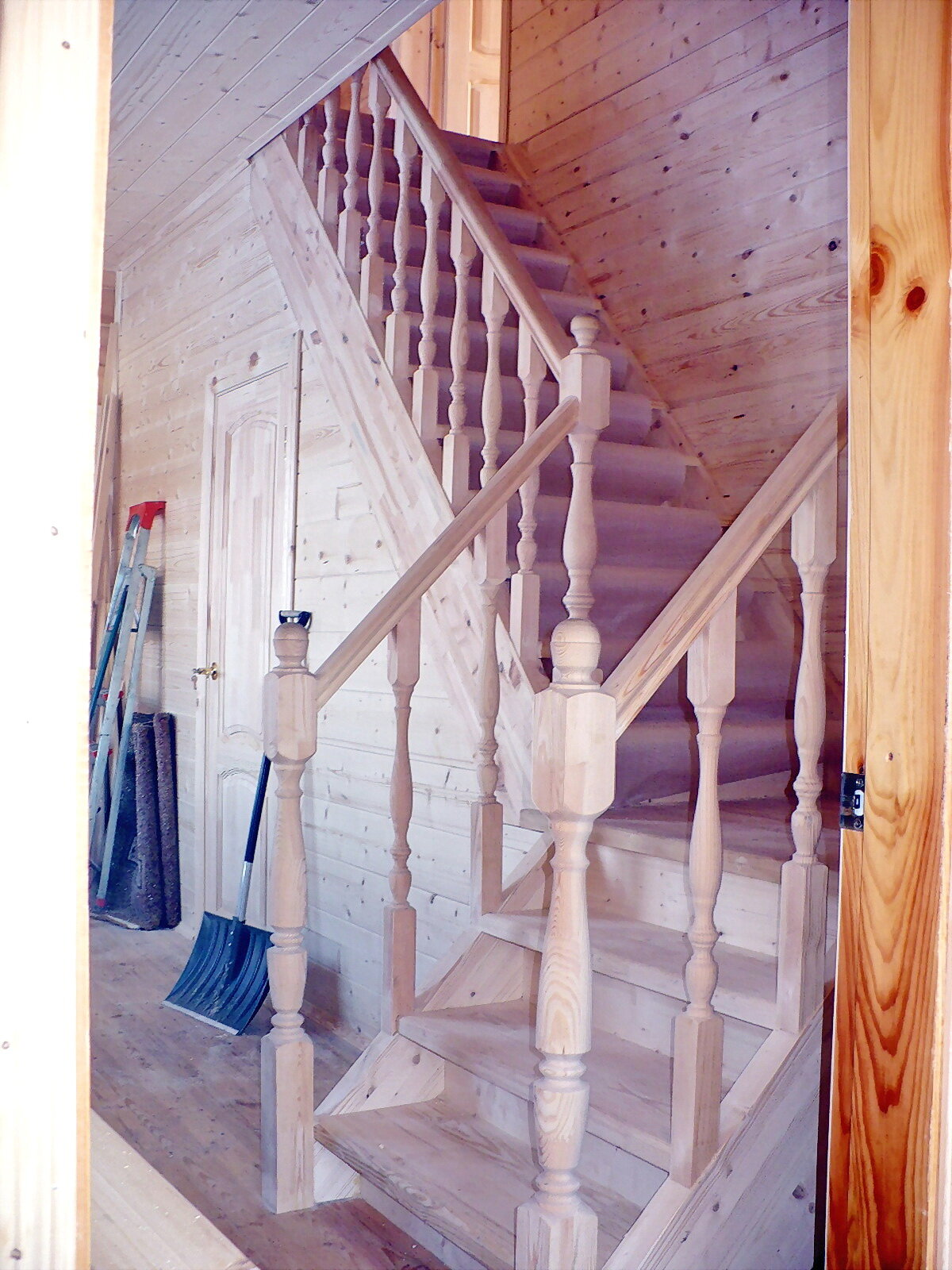 Лестница своими руками на второй этаж картинки