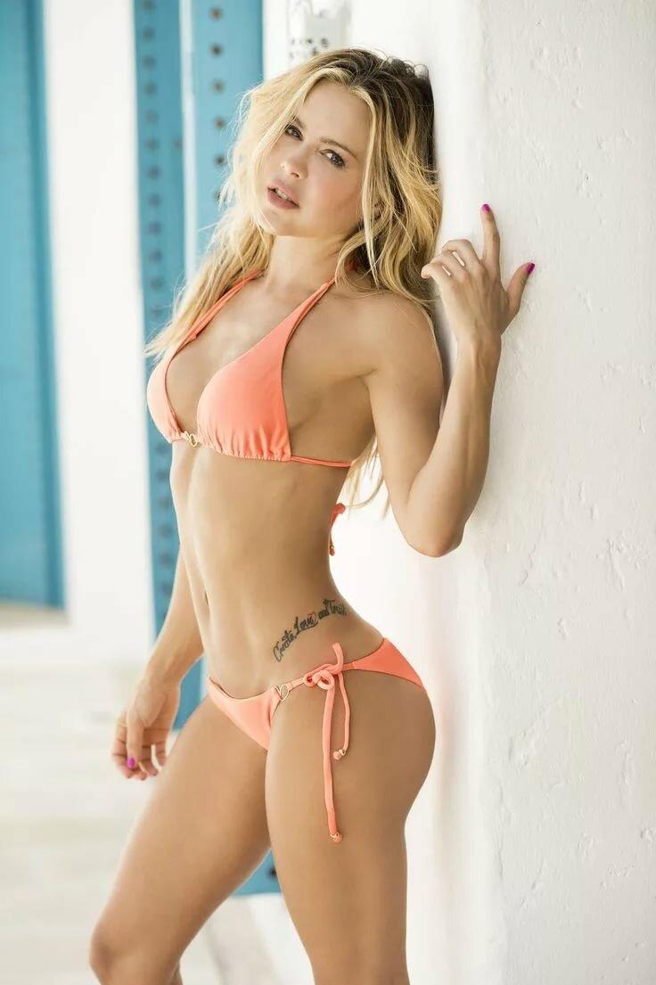 Bikini model andrea