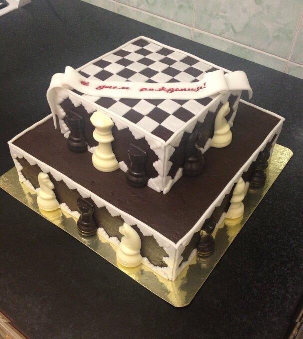 этой открытка с днем рождения с шахматами глины много