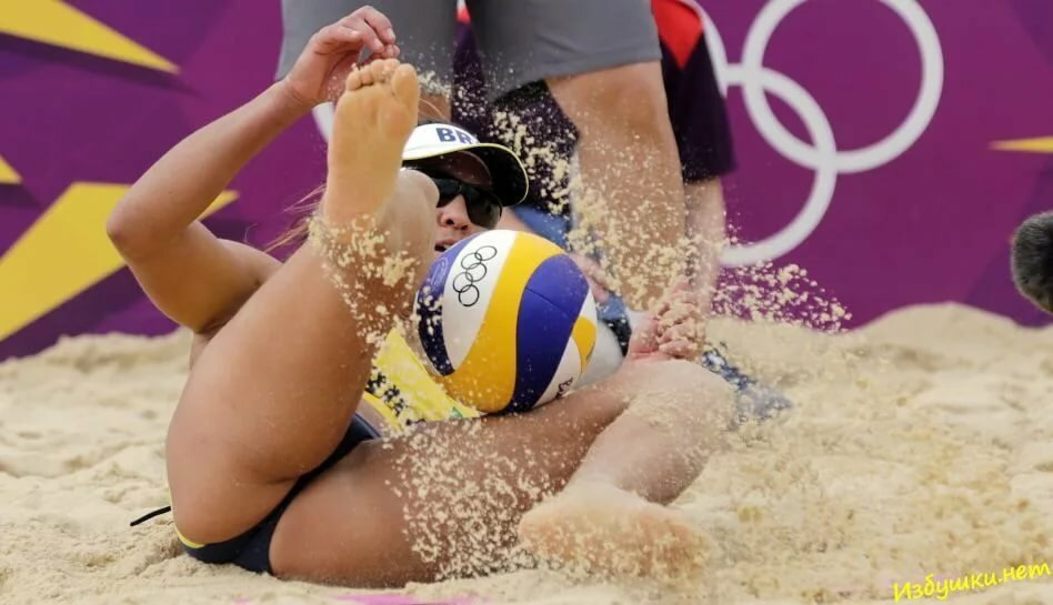 volleyball-beach-pussy-gil-lays-with-pussy