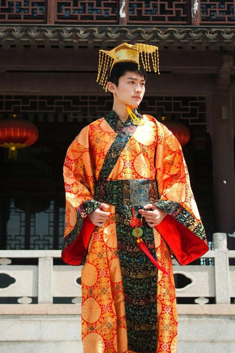 срочный картинки китайцев в национальной одежде пёсик вовсе избалованный
