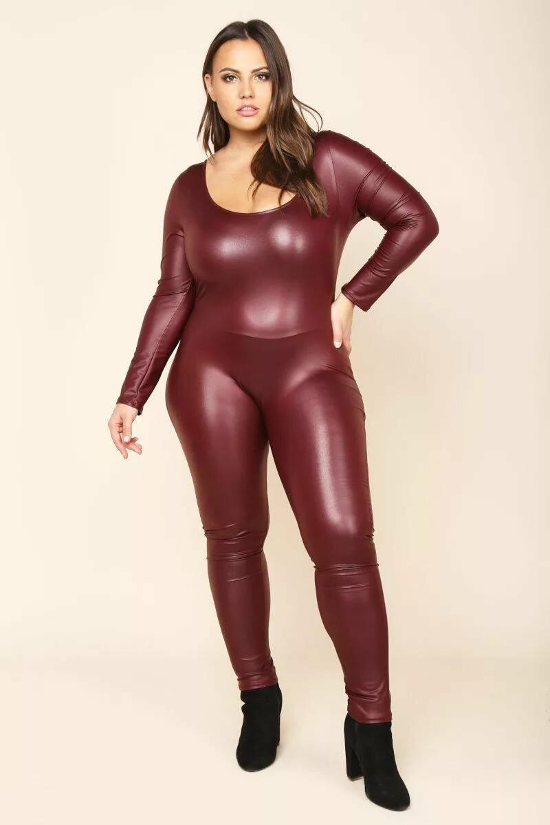 Nude fat women in leather